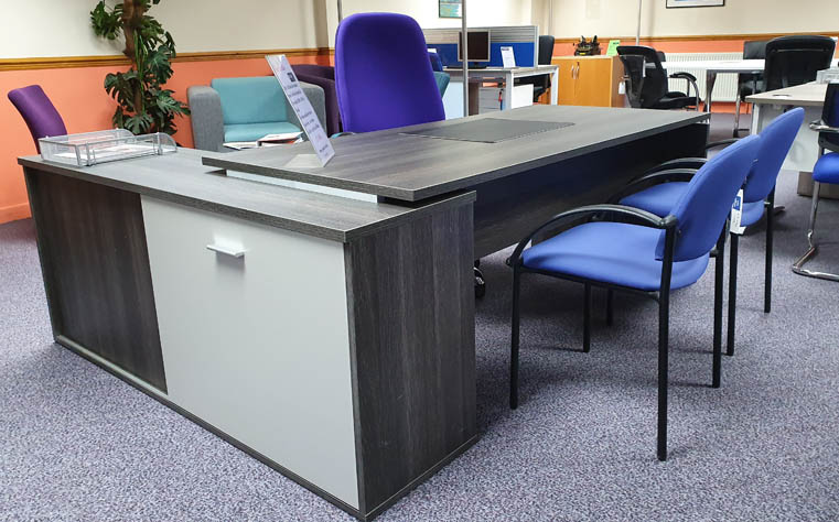 Showroom image - Modern office desk and office chair