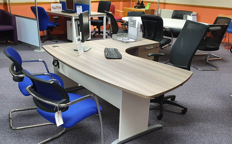 Showroom image - Modern office desk and office chairs